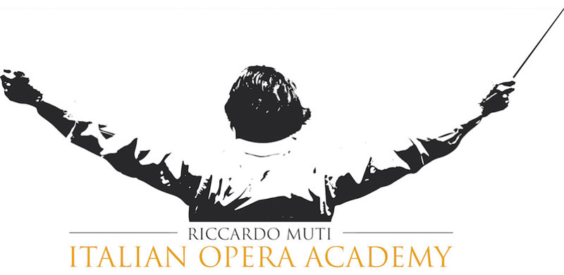 """El logo oficial de la """"Italian Opera Academy""""."""