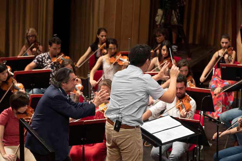 Wilbur Lin sigue las sugerencias de Riccardo Muti. © Silvia Lelli
