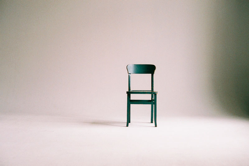 Chair alone. Foto © Paula Schmidt.