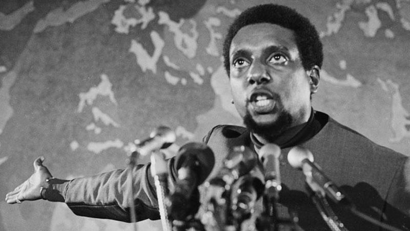 Stokely Carmichael, activista líder de los Panteras Negras durante los años 60.