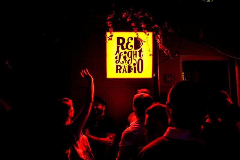 Red Light Radio. Hugo Van Heijningen.
