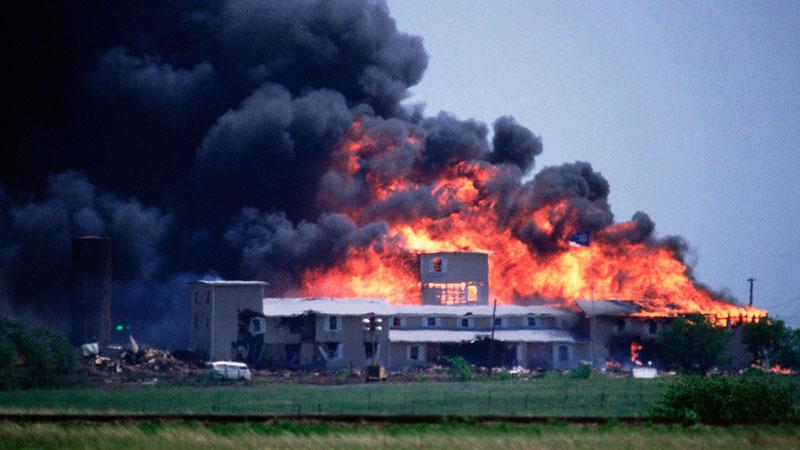 Fin del asedio de Waco.