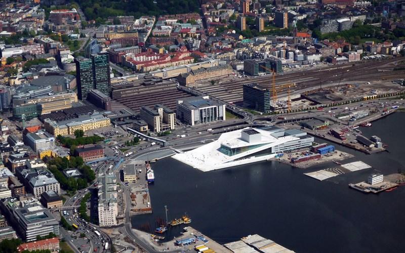 Ópera Oslo, estudio arquitectura Snøhetta. © Fotografía Flickr: d-ewsm.