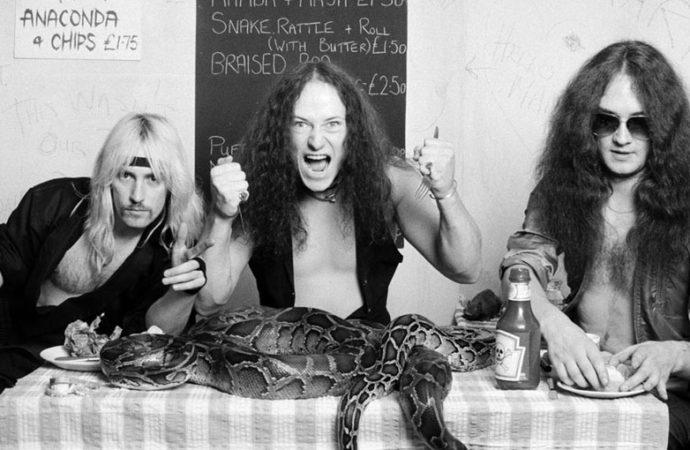 Venom y el oscurecimiento del metal