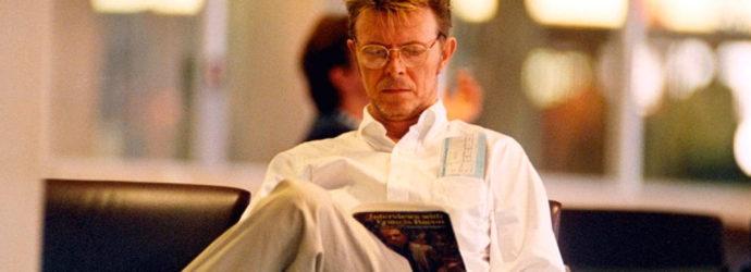 Fisgando en la biblioteca de David Bowie