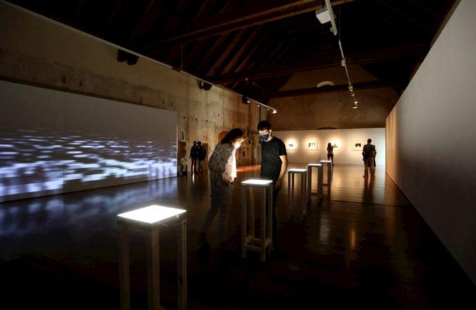 Edu Comelles visualiza el sonido a través de Spectre