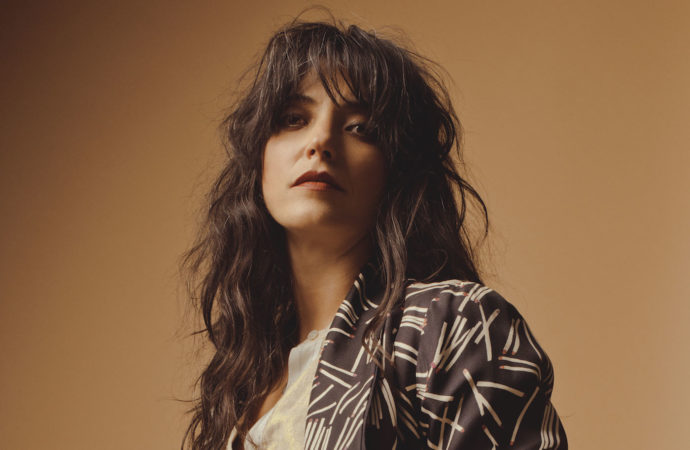 Sharon Van Etten, terapia musical